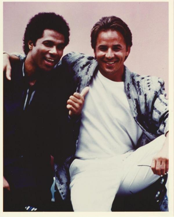 Don-Johnson-Philip-Michael-Thomas-8x10-Photo.thumb.jpg.bf84be3396b36e7a2efc878eb260066a.jpg